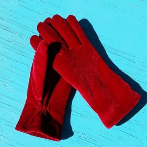 Red Thinsulate gloves
